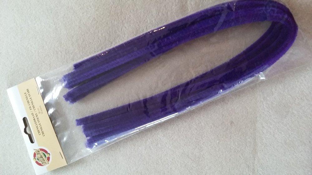 Chenilledraad 50 cm lang  Kleur: donkerpaars   Aantal: 10 stuks