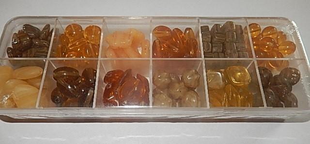 T0105 Verzameldoosje preciosa kralen bruin/goud/geel
