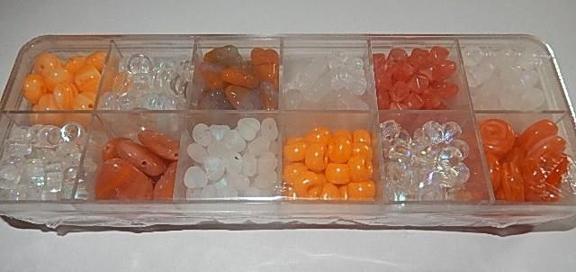 T0103 Verzameldoosje preciosa kralen wit/oranje