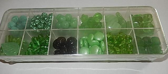 T0106 Verzameldoosje preciosa kralen groen