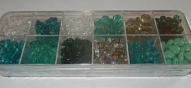 T0101 Verzameldoosje preciosa kralen aqua/turquoise