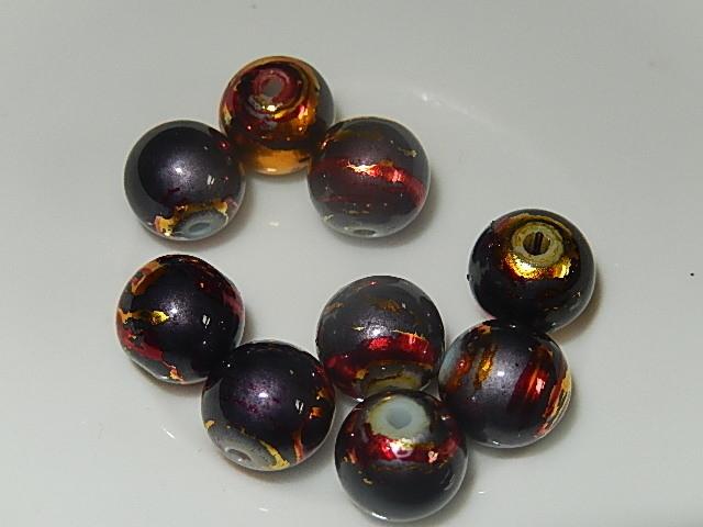 B0313 Glaskraal grijs met rode en gele accenten rond 10 mm