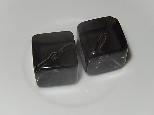 B0119 Glaskraal zwart doorzichtig vierkant 22 mm