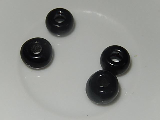 B0106 Glaskraal zwart donut 6x10 mm