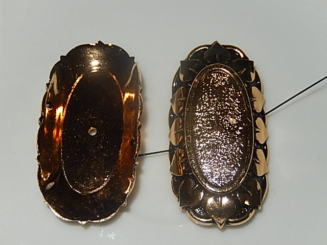 CZM301O25 Metalen tussenkraal met zetting voor ovalen cabochon / camee van 25x11 mm 1 st goudkleurig