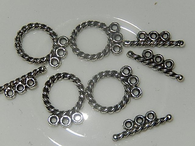 SLM003R18 Tibetaans zilveren kapittelsluiting geschikt voor 3 draden 1 st 18x12 mm