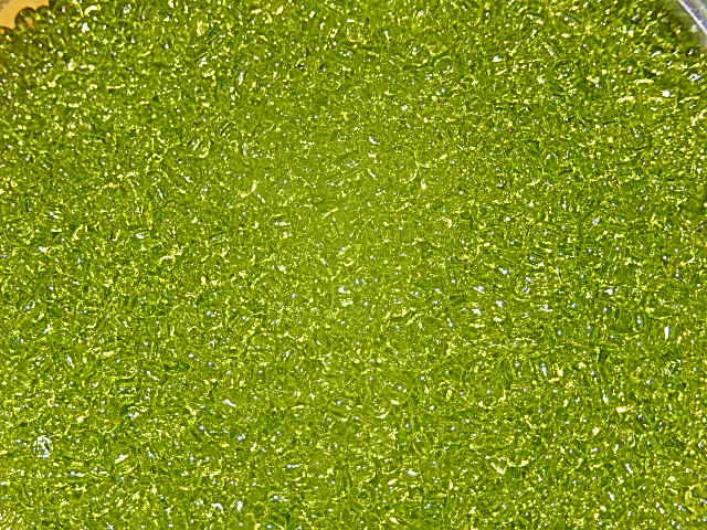 TR-11-4 Toho rocailles 11/0 10 gr transparent lime green