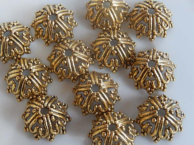 KK30121 Tibetaans goudkleurig kralenkapje 1 st 6x14 mm