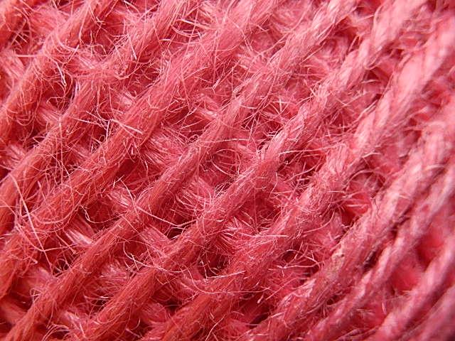 DRJ011 Natuurlijk sisal koord 1 meter lang rozerood 2 mm