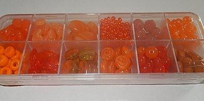 T0107 Verzameldoosje preciosa kralen oranje