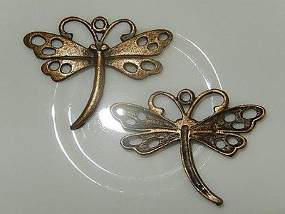 H0110 Libelle metaal antiek goud 27x37x3 mm