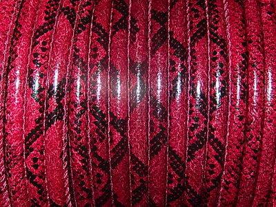 DRL201R60 PU imitatieleer gestikt 20 cm bordeauxrood slangeleer 6 mm