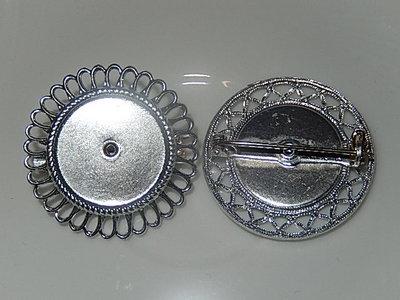 CZM001R18 Metalen broche met zetting van filigraanwerk voor ronde cabochon / camee 1 st zilverkleurig